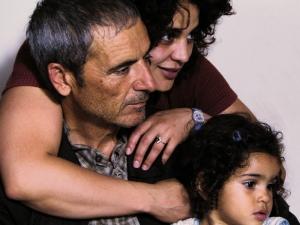 padre, hija y nieta (La graine et le mulet).
